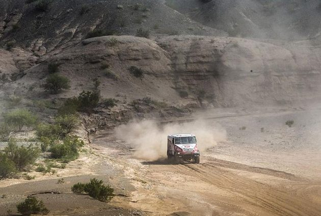 Aleš Loprais s kamiónem Tatra na trati 4. etapy Rallye Dakar.