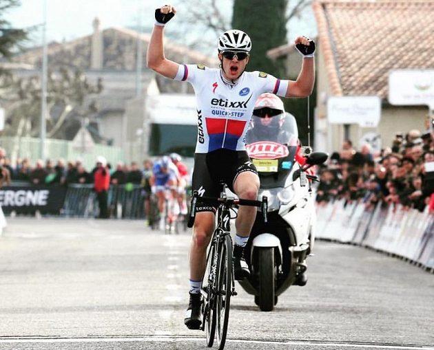 Petr Vakoč slaví triumf při francouzské jednorázovce Classic Sud Ardeche.