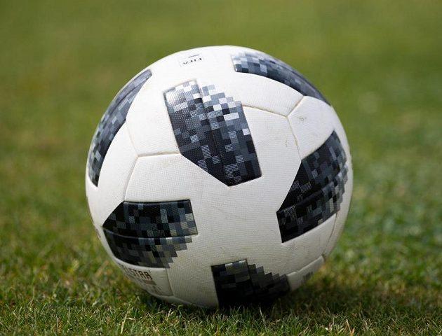 Oficiální míč MS 2018 v Rusku během přípravného utkání české fotbalové reprezenzace s Nigérií.