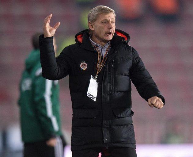 Trenér Sparty Zdeněk Ščasný během utkání s Laziem Řím.