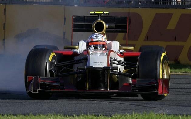 Narain Karthikeyan, pilot stáje HRT během GP Austrálie.