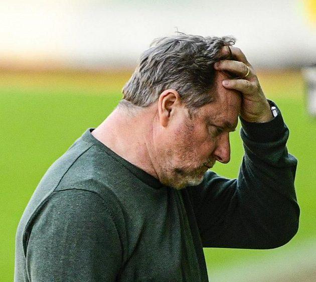Trenér Sparty Pavel Vrba se chytá za hlavu...