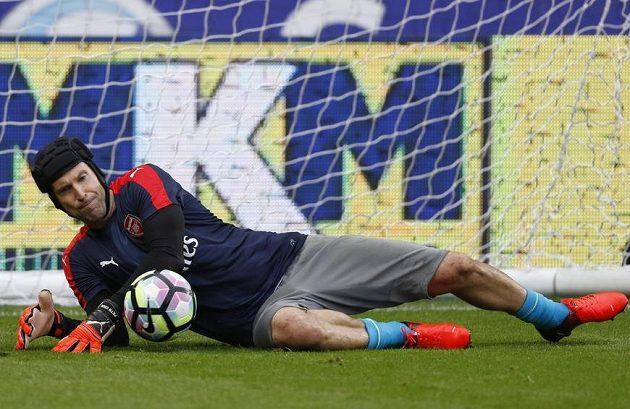Petr Čech před zápasem v Hullu.