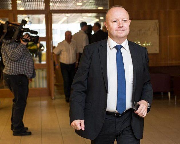 Kandidát na předsedu FAČR Petr Fousek během valné hromady.