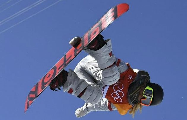 Zlato bere sedmnáctka! Olympijskou vítězkou v U-rampě je talentovaná americká snowboardistka Chloe Kimová.