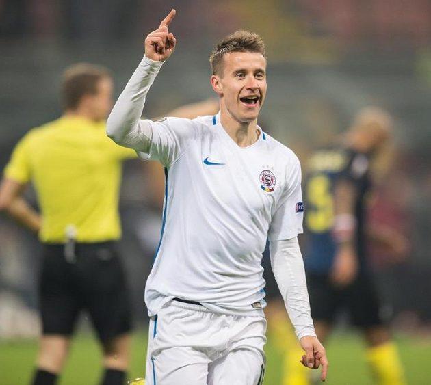 Lukáš Mareček ze Sparty Praha oslavuje gól na 1:1 na Interu Milán.