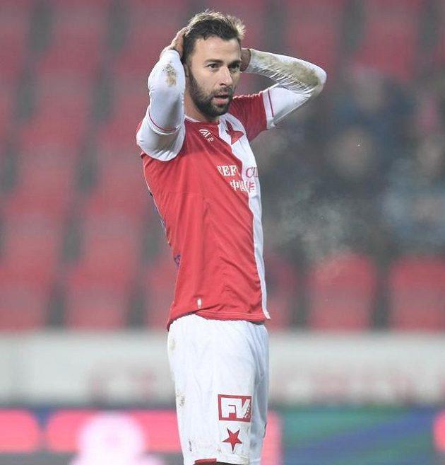 Slávista Josef Hušbauer při utkání s Baníkem.