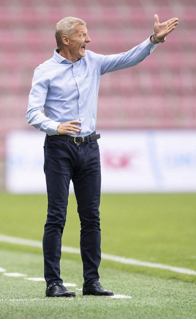 Trenér Sparty Praha Zdeněk Ščasný během derby s Duklou.