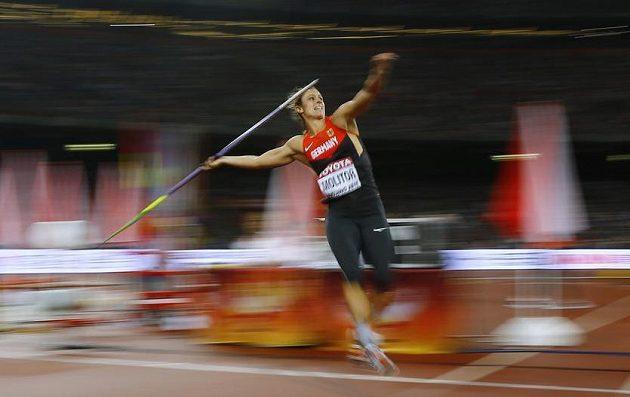 Němka Katharina Molitorová a její poslední pokus - oštěp doletěl do vzdálenosti 67,69 metrů, což byl zlatý výkon.