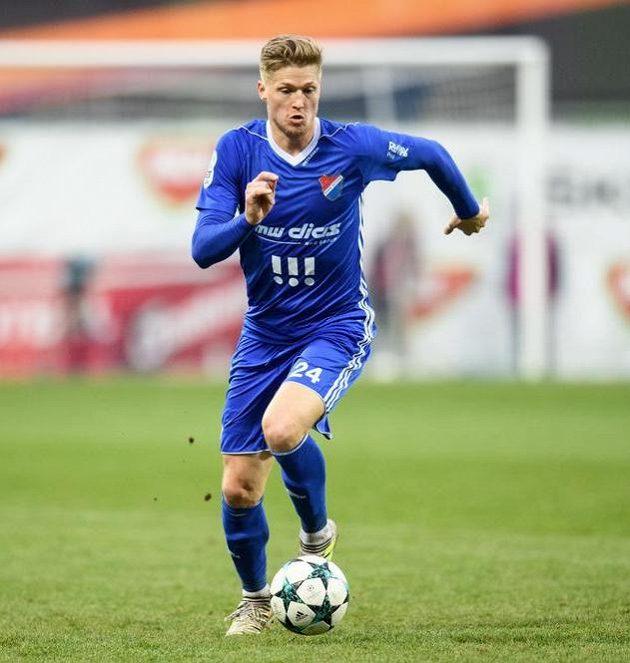 Obránce Baníku Ostrava Václav Procházka během utkání čtvrtfinále MOL Cupu.