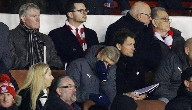 Manažer Arsenalu Arséne Wenger dobře věděl, že vyřazení ve 3. kole FA Cupu na hřišti Nottinghamu je pořádný průšvih.