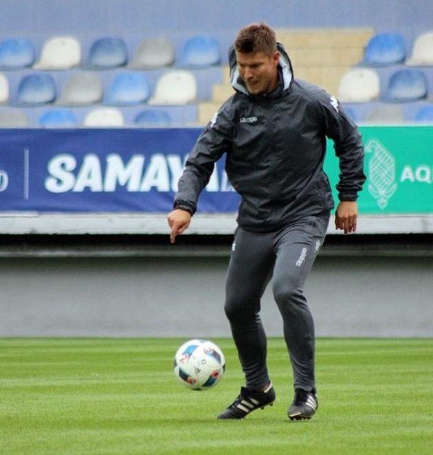 Pavel Dreksa v při tréninku Něftči Baku.