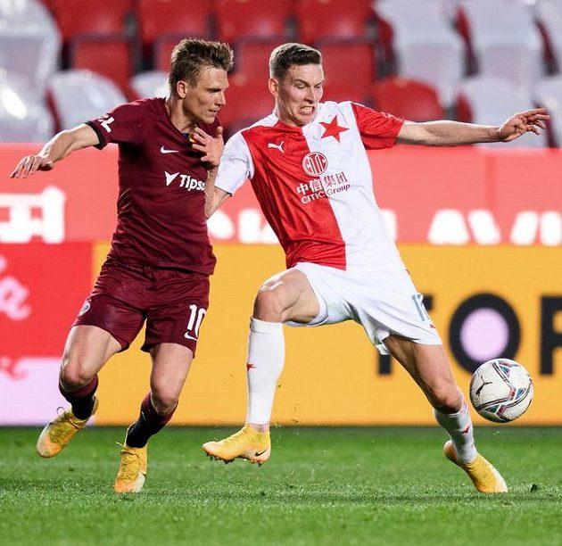 Bořek Dočkal ze Sparty Praha a Lukáš Provod ze Slavie Praha během derby.