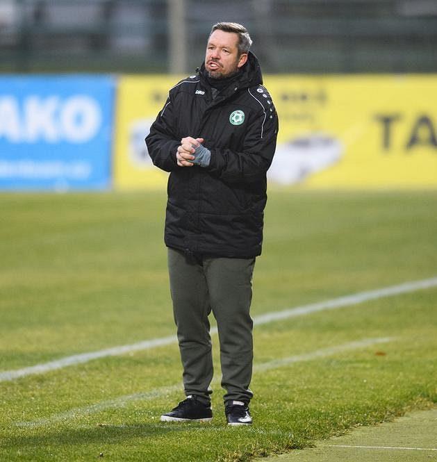 Trenér Příbrami Pavel Horváth během utkání s Mladou Boleslaví.