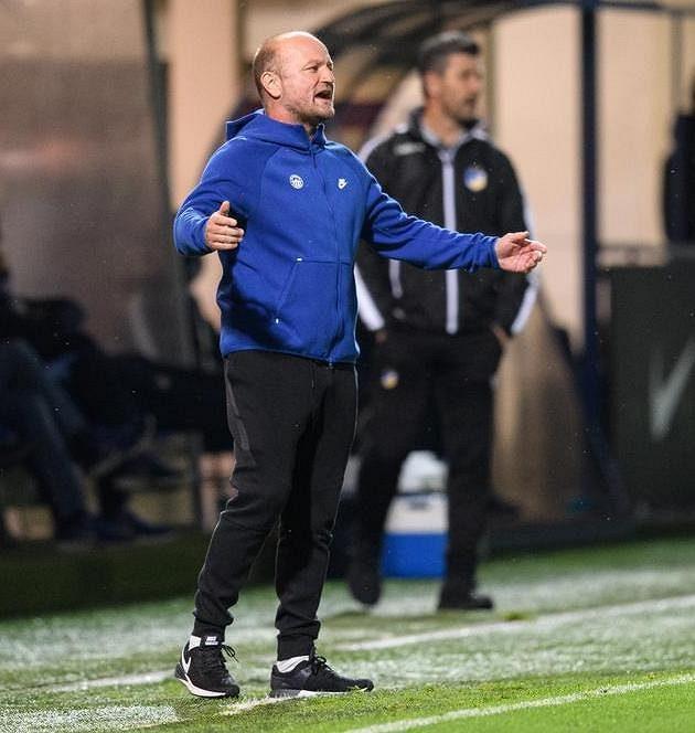 Trenér Slovanu Liberec Pavel Hoftych během utkání 4. předkola Evropské ligy s APOEL FC