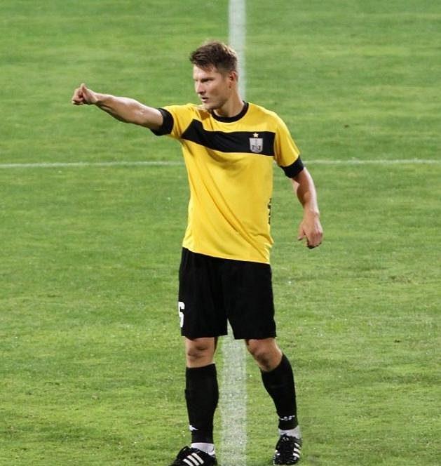 Pavel Dreksa v dresu Něftči Baku v zápase ázerbájdžánské nejvyšší soutěže.