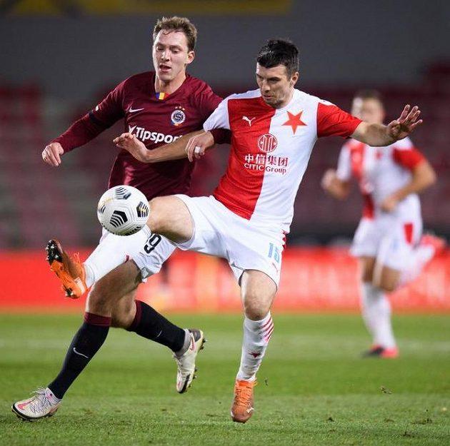 Lukáš Juliš ze Sparty Praha a Ondřej Kúdela ze Slavie Praha během derby.