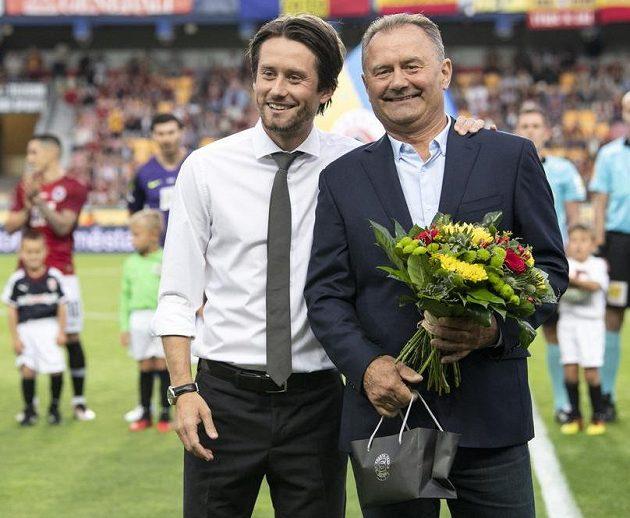 Tomáš Rosický a jeho otec Jiří Rosický, který v neděli slaví 70. narozeniny.