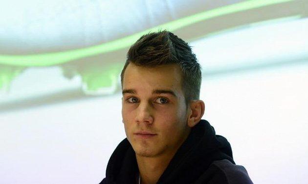 Fotbalista Václav Černý z Ajaxu Amsterdam na tiskové konferenci v Praze.