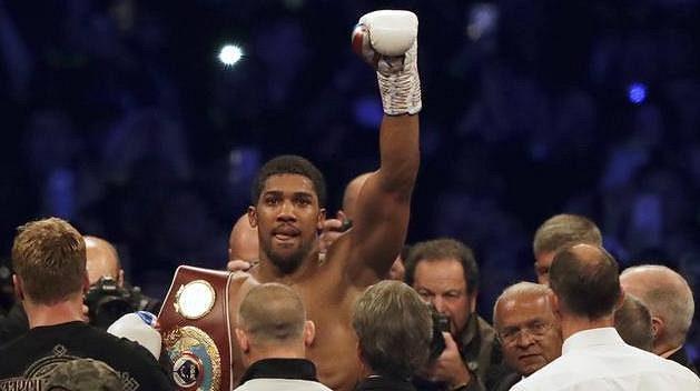 Anthony Joshua, boxerský král těžké váhy.