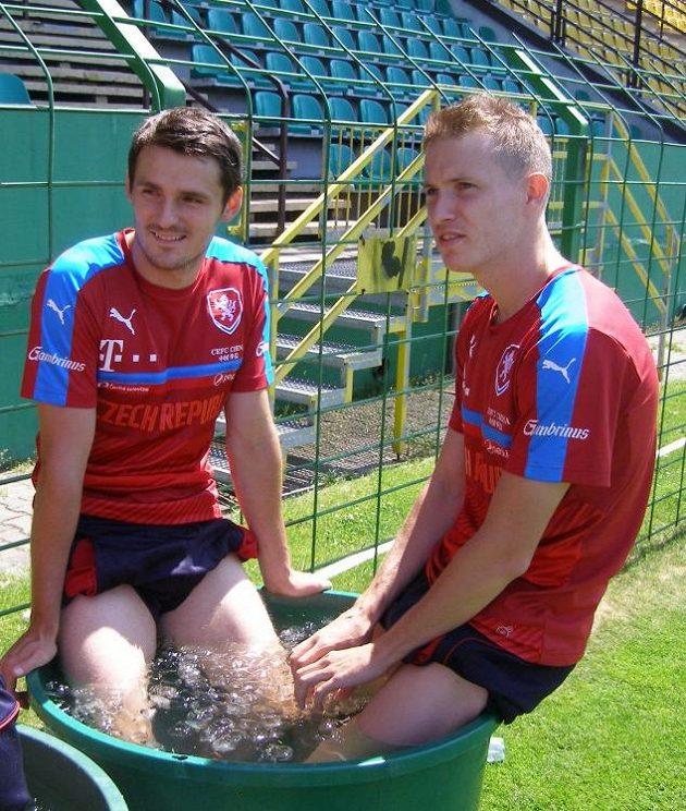 Obránce Milan Havel a záložník Jakub Jankto (vpravo) po tréninku na mistrovství Evropy hráčů do 21 let.