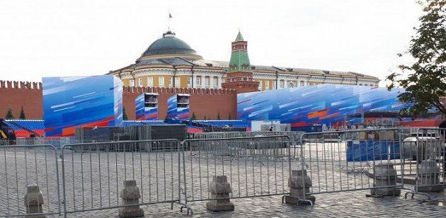 Rudé náměstí se chystá na start fotbalového mistrovství světa.