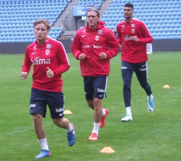 Slávista Per-Egil Flo (uprostřed) na tréninku norské reprezentace.