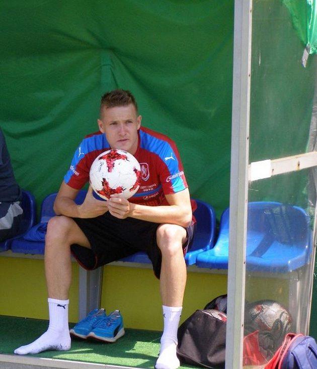 Záložník Jakub Jankto (vlevo) po tréninku na mistrovství Evropy hráčů do 21 let.