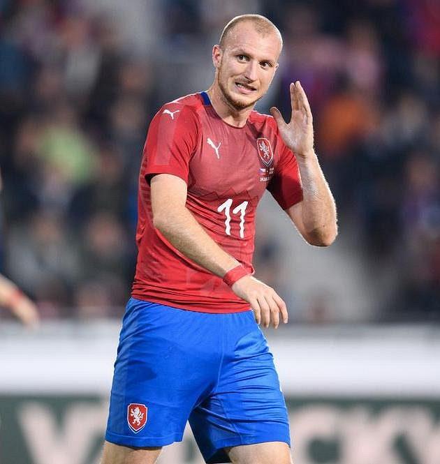 Český útočník Michael Krmenčík během přátelského utkání se Severím Irskem.