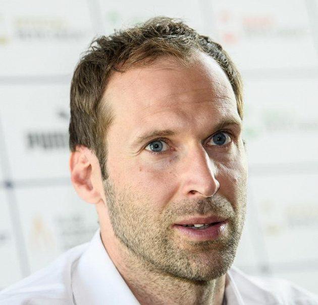 Petr Čech během tiskové konference k vyhlášení ankety Klubu sportovních novinářů ČR Zlatý míč za sezónu 2017/2018.