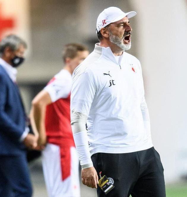 Trenér Slavie Praha Jindřich Trpišovský během utkání 4. kola Fortuna ligy s FK Teplice.