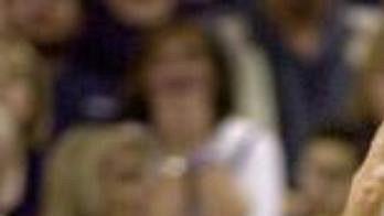 Dirka Nowitzkého posadil nový kouč Dallasu Mavericks na chvíli na střídačku - archivní foto.
