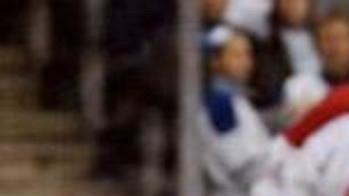 Brankář Toronta Ed Belfour byl knepřekonání, jedinou branku mu vstřelil Tomáš Plekanec