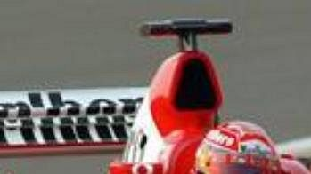 Michael Schumachertestuje nový monopost stáje Ferrrari s označením F2003-GA