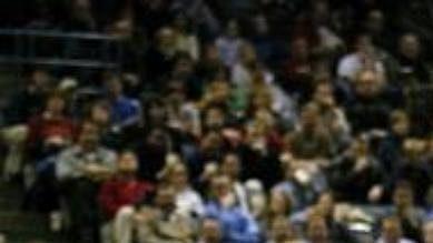 Dirk Nowitzki (vpravo) je klíčovou postavou Mavericks.