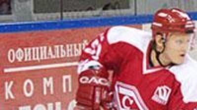 Hokejistům Spartaku Moskva už Anatolij Usťugov nepomůže.