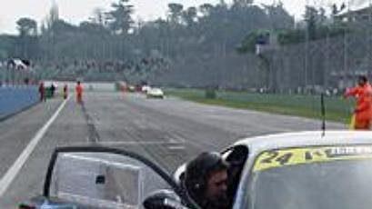 Vůz Ferrari 550 Maranello týmu MenX na archivním snímku.