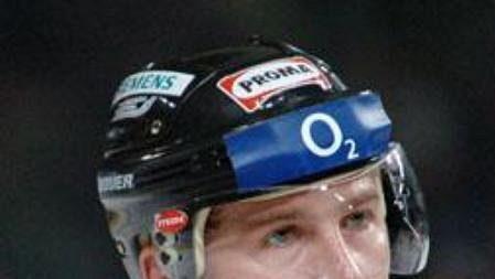 Hokejový útočník Sparty Petr Ton.