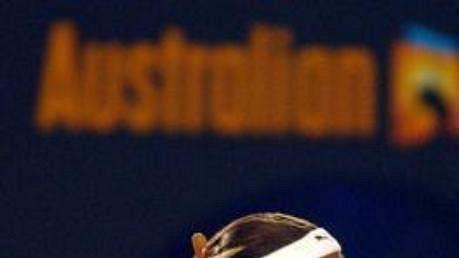 Tenistka Serena Williamsová (vlevo) si na Australian Open zahraje ve čtyřhře se svou sestrou Venus.