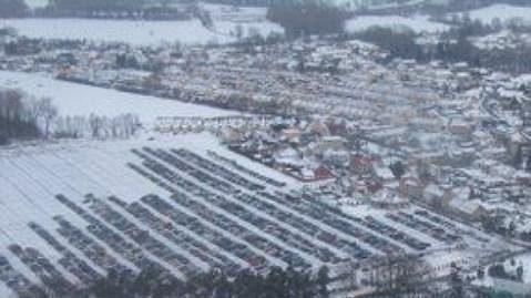 Nebeský pohled na utkání Pardubic z Brnem, které se hrálo 2. ledna 2011 pod širým nebem.