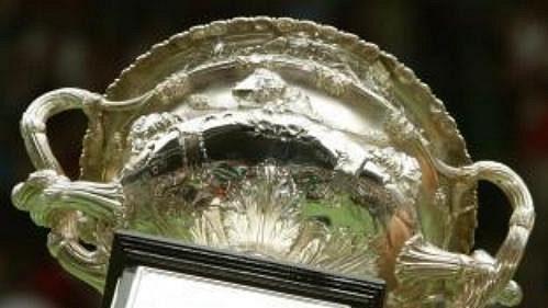 Andre Agassi se těší z osmého přírůstku do sbírky grandslamových trofejí.
