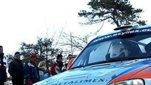 Jozef Béreš za volantem vozu Hyundai Accent WRC při letošní Rallye Monte Carlo.