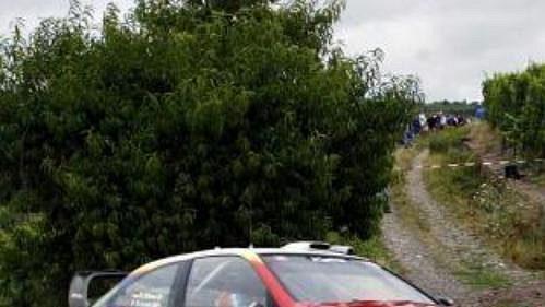 Francouz Sébastien Loeb se svým citroenem obhájil prvenství v Německé rallye.