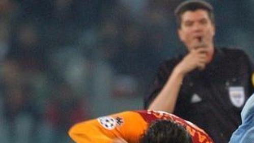 Ajax, jehož barvy hájí Tomáš Galásek (vpravo), se utká smilánským AC.