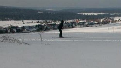 V okolí Božího Daru už jsou vyznačeny jamky na připravovaný golfový turnaj