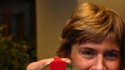 Kateřina Neumannová po příletu ze zimních olympijských her v Turíně.