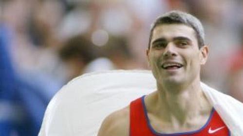 Oštěpař Rus Sergej Makarov, vítěz atletického mistrovství světa vPaříži.