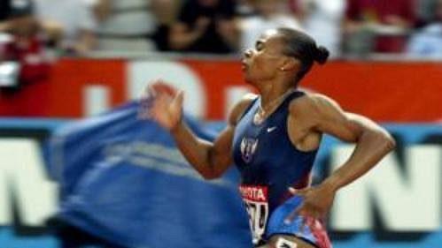 Dvě medaile si odvezla Kelli Whiteová zPaříže. Snejvětší pravděpodobností je ale bude muset vrátit.