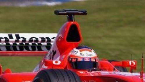Pilot Ferrari Rubens Barichello během kvalifikace na úvodní podnik letošního MS vozů formule 1 - Velkou cenu Australie.