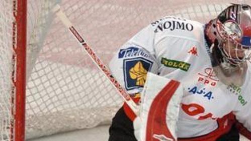 Brankář hokejistů Znojma Jiří Trvaj